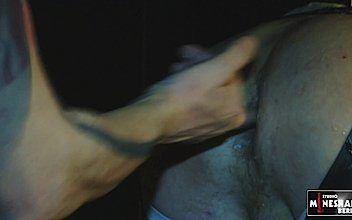 Nackt grasreh Grasreh Model