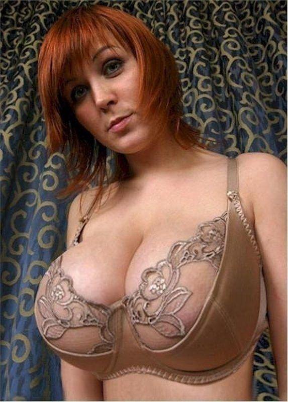 boobs nude bra