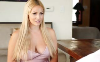 Spying hot blonde