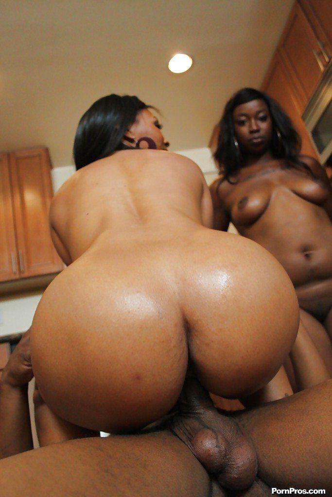 Hooter women in pantyhose