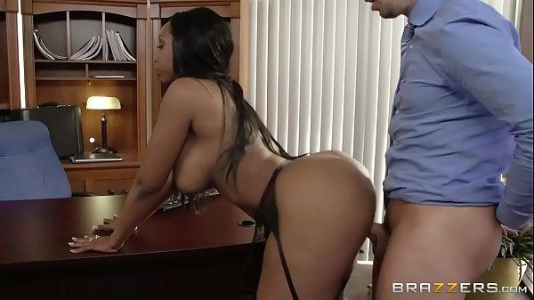 Uncle C. reccomend wifes twerking lick penis and facial