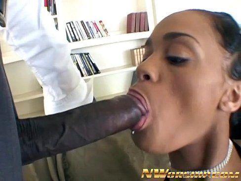 Ebony sugar mummy pussy fuck with black shemale big dick
