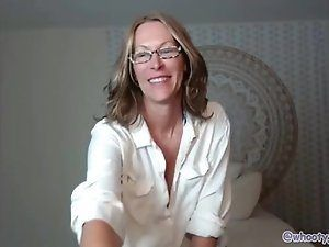Black M. recommendet Busty Mature Blonde With Glasses Dildoing