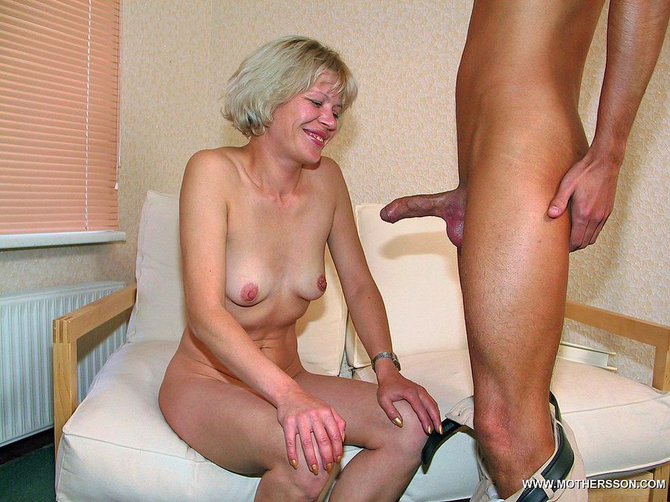 Mom and son sex gallery