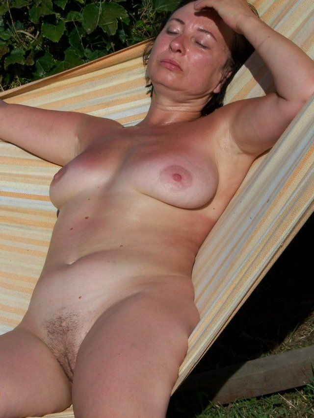 Pictures milfs free Hot Milf