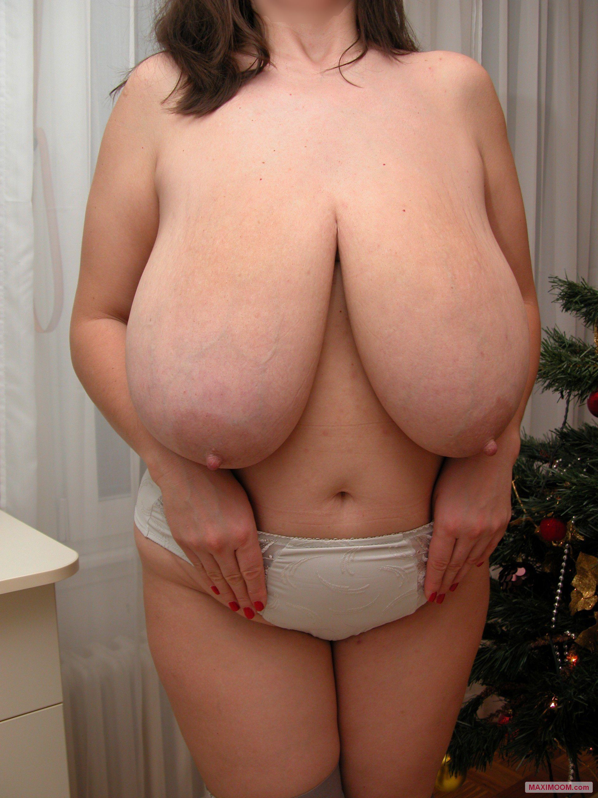 Low hanging tits