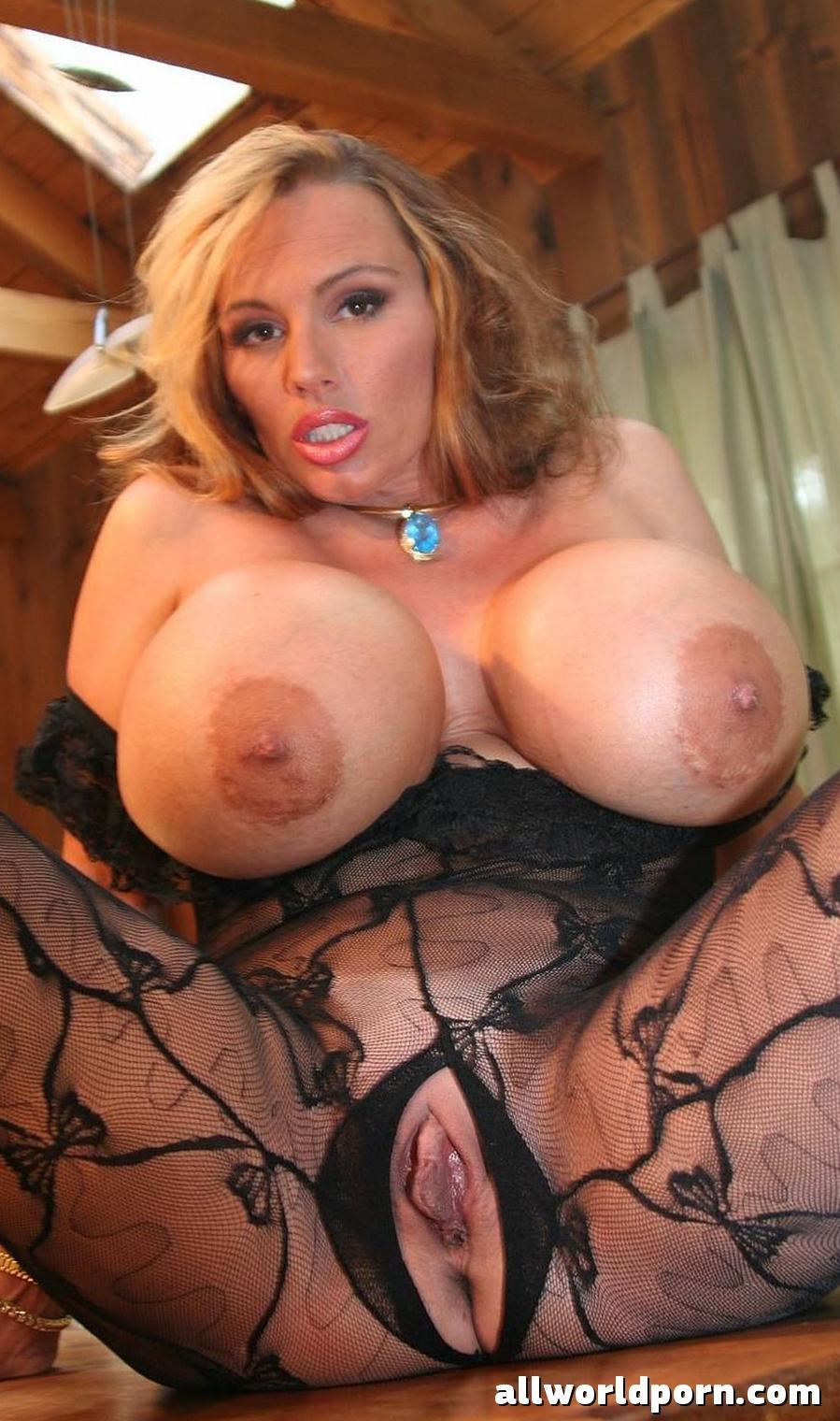 Mature boobs nude Old Women